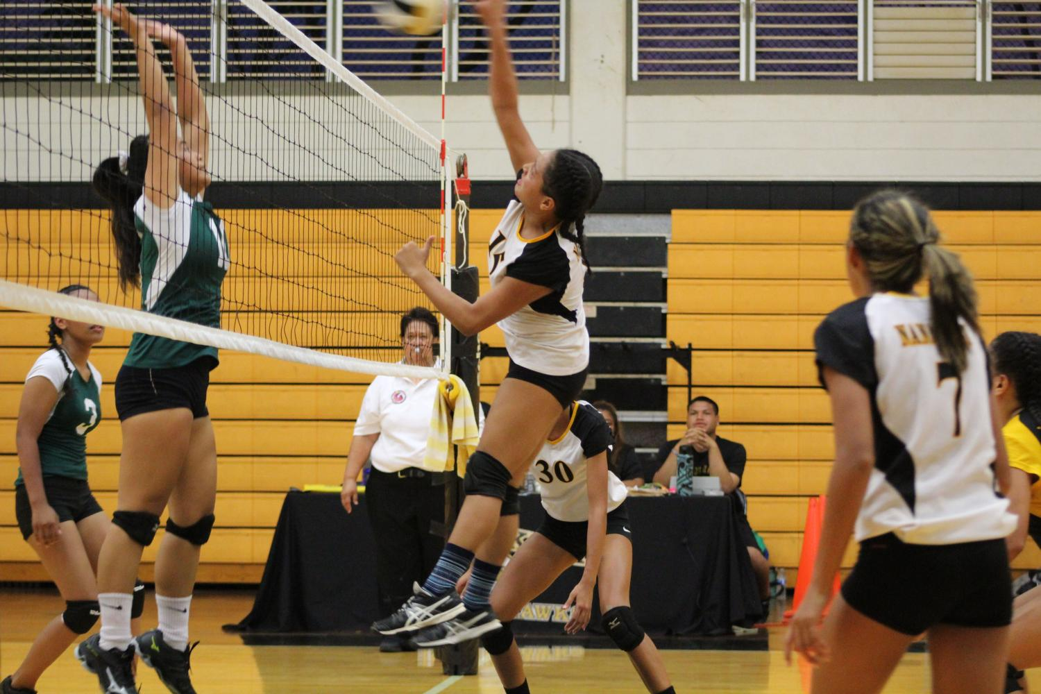 NHIS+Photography+Class%3A+Girls+Volleyball+vs+Aiea+Photo+Gallery
